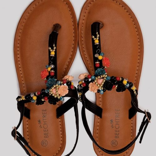 black and pearl flat sandals in pakistan