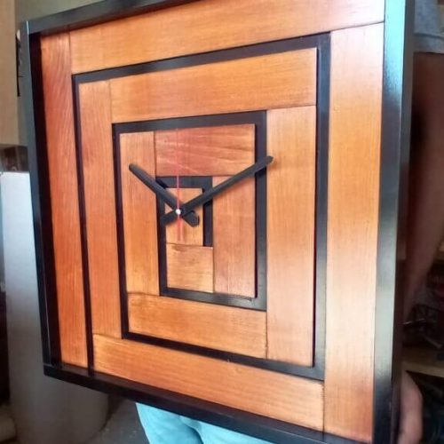wooden wall clock latest design for decoration in Pakistan